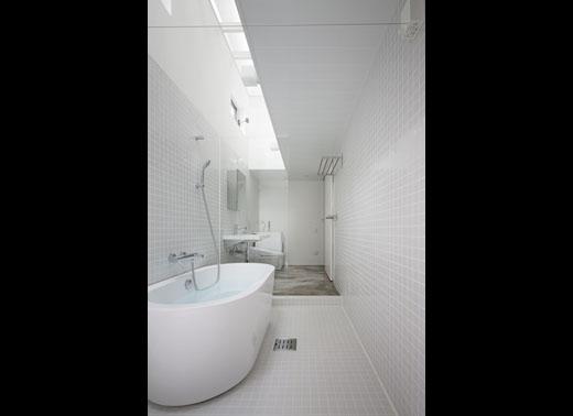 一体サニタリーの浴室