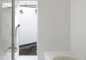 浴室は光庭に面する