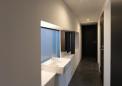 洗面スペースを兼ねた廊下