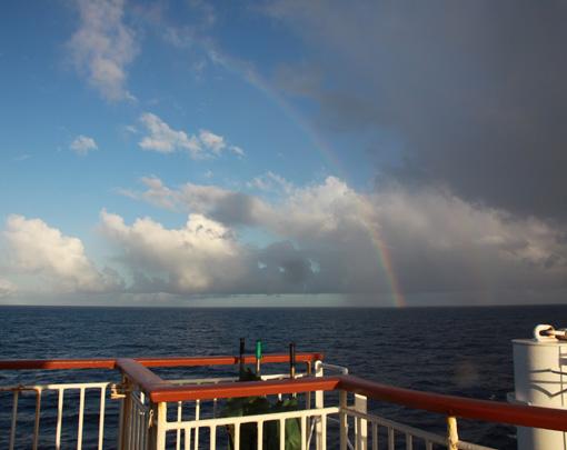 06海で見る虹_5357