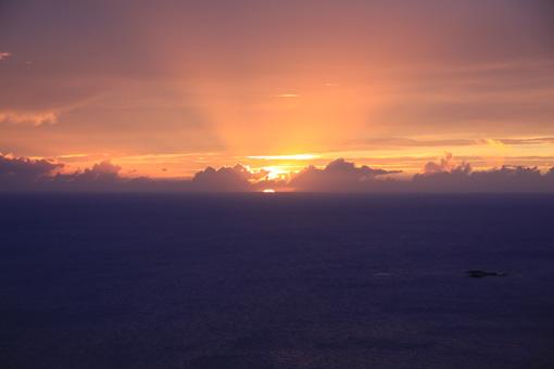 24三日月山から見る夕日_5482
