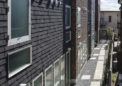1階の住戸は長屋形式で通路から入室
