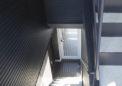 2階と3階への共用階段