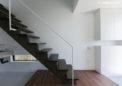 木製の階段